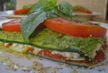 Yummy Healthy Veggie Foods! / by Desi Delaluna