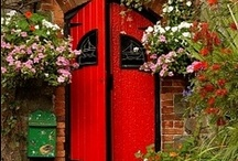 Doors ~ Deuren ~ πόρτα ~ Türen ~ Portes ~ двері / A door is a movable structure which is used to open and close an entrance, typically consisting of a panel that swings on hinges or that slides or spins inside a space. https://en.wikipedia.org/wiki/Door
