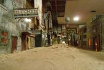 Cardboard Heaven / Miniature houses from the 19th century