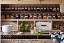Quero Cozinhar / praticidade em ter os temperos e condimentos à vista para o grande lance de cozinhar.