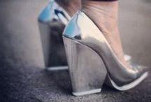 Metallic Shoes / Metallic shoes is one this spring and summers biggest trends. Be prepared for a glimmer spring with heals for www.have2have.se. Metallic är vårens hetaste färg! Gör dig redo för en skimrande vår med skor från www.have2have.se