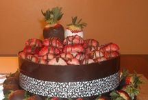 Q's Cakes / Pics of my sweet treats.  / by Just Que