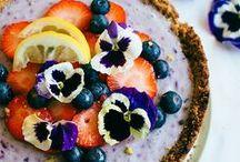 Vegan taarten en desserts / Veganistische taarten, cheese cake en desserts die passen bij de vegan lifestyle. Makkelijke en gezonde vegan recepten o.a. met chocolade, brownies, ijs, pannenkoeken, muffins, raw food, Vegan meringue, Aquafaba