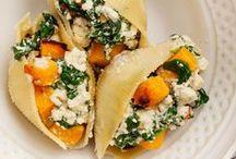 Vegan hoofdgerechten / Gezonden en lekkere recepten voor vegan veganistische maaltijden. Vegan curry, ovenschotels, pasta, noodles, polenta, falafel, vegan burgers
