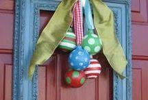 Holiday crafts & decor