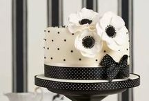Cakes / Bolos simples / by Cassia Oliveira