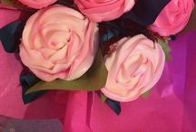Cupcake Bouquets by Corinne / Pretty bouquets of cupcakes
