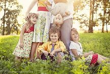 what to wear for a photo session: family / ideas for clothing and color combinations to help your family look coordinated and stylish and feel great for their photo session