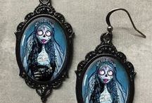 Gothic Jewellery / Beautiful gothic necklaces, chokers, earrings, brooches and bracelets.