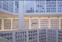 Exposición 'Les esses. Francesc Ruiz' / Una instalación que el artista Francesc Ruiz ha creado específicamente para la Galería 5 del IVAM y que está compuesta de hasta 3.600 letras 'ese'.