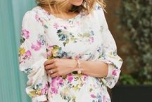 Floral Print Outfit Inspirations / Floral tops and blazers