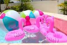 Party: 11 Neah: Poolparty / Poolparty med flamingos