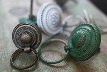 Doors & Door Knobs ♚ / Statement doors with individuality.  Beautiful door knockers, key holes & door handles