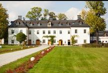 Pałac Pakoszów - ślub i wesele / Pałac Pakoszów to idealne miejsce na ceremonię ślubną w plenerze jak i we wnętrzu oraz na stylowe wesele.