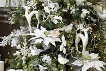 MamaKado ♥ Kerstmis / Kerstmis is ons allerliefste feest. Donkere dagen, lekkere hapjes, gezellige kerstboom, een knus kerststalletje op de vensterbank, samenzijn met de familie, en sneeuw... Beter kan het niet. Wij kijken al vanaf eind Augustus uit naar dit heerlijke feest!