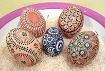 Eggciting / Egg art and craft - ideas and inspiration  Have a go, you know you want to.  / by Dame Fiona