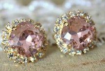 Jewelry my first love♡♡♡ / by Darlene Lopez Jimenez