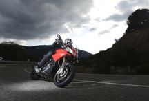 Caponord 1200 MY 2013 / Aprilia revolutionises the street enduro segment, creating the perfect bikefor travel, fun and day to day use. The new Caponord 1200 takes advantage of the experience Aprilia has acquired in top level competition, making technology available to all.