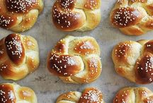 Slamming Sliders  / Recipes for the bread, the filling, the whole 9 yards