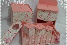 Kits para Bebê e Decoração / Kits de higiene, e acessórios em mdf para decoração de quartos de bebê.