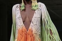 Makrama, macrame ubiory / Ubrania z motywami wykonanymi techniką makramy.