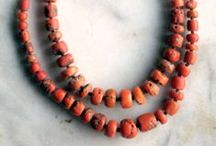 Jewellery / Antique and Vintage Jewellery of various cultures and multiple materials.