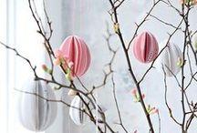 Happy Easter! / Frohe Ostern! Mabba Inspiration für Ostern. Dekoration, Ostereier, Oderhasen ..