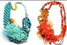 Jewellery: Necklaces / by Amparo Novejarque