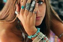 Stuff - Jewelry / by Michelle Louw