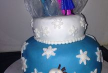 Frozen cake / Cake made from the movie Frozen.