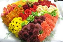 Wreaths, Hearts & Sprays / Shaped flower arrangements, make for a beautiful show of flowers!