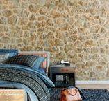 Dormitorios | Bedrooms / Ideas de dormitorios con diferentes tipos de revestimientos (de aspecto piedra, madera, ladrillo...).