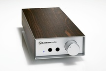 Linear SE / The beautiful Linear SE headphone amplifier sets a new benchmarks as to sound quality and the direct musical experience. All Lehmannaudio products are made in Germany.