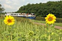 Hotel Barge Panache / Panache is a stylish twelve passenger hotel barge, with spacious public areas and six comfortable double or twin en suite cabins. For more information see: http://www.gobarging.com/panache-barge