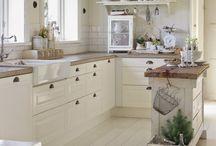 Kitchens / Keittiöitä