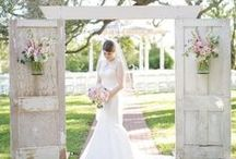 Farm Wedding Ideas / Rustic farm wedding ideas for outdoor or indoor weddings. Themes, decorations, food and more