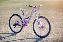 Wendy's new bike! Wow! / To celebrate a major birthday, Girlz Gone Riding co-founder Wendy got a new customized Canfield with signature GGR purple bling! Wow!