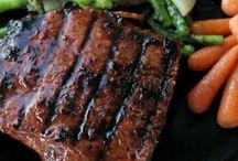 Mmm, mmm... DEE-LISH! / recipes that look yummy / by Elizabeth Johnson
