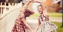 PHOTOGRAPHY: Sisters / Posing Ideas Just for Sisters #sisters #sisterphotography #siblingphotography