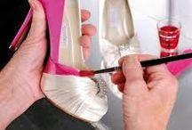 Schoenen / Diverse bruidsschoenen en schoenen voor speciale gelegenheden. Van o.a. Elsa Coloured Shoes waarbij het mogelijk is de schoen in elke gewenste kleur in te kleuren.