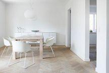 #white and wood interiors