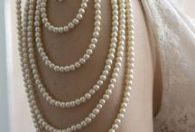"""Accessoires / """" La simplicité est la clé de l'élégance! """" - Coco Chanel"""
