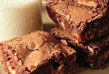 Nom(brownies) / by Catherine J