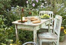 Draußen Essen / Schöne Tische und Sitzecken im Grünen - so schmeckt der Sommer :-)