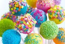 Cake Pops / Come riciclare un dolce avanzato e stupire tutti. La ricetta è semplice, si può realizzare con i bambini e permette di non sprecare cibo