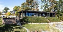 Villa Tollbom/Lindh / Ett 1-planshus där formerna är rena, enkla och vackra för att ge sinnen lugn och ro. Inne möter ute samtidigt som placeringen av huset bidrar till minimal insyn och maximal utsikt.