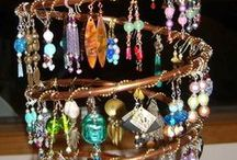 stojánky na šperky