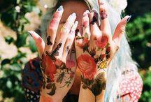 Tatoos y perfos. / Tatuajes y perforaciones de todo tipo.