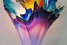 Vases de verre et porcelaine