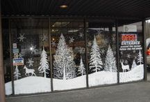 Store Christmas Window Painting